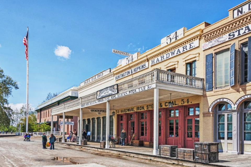 Out of all the Sacramento engagement locations, Old Sacramento offers the most western feel out of them all.